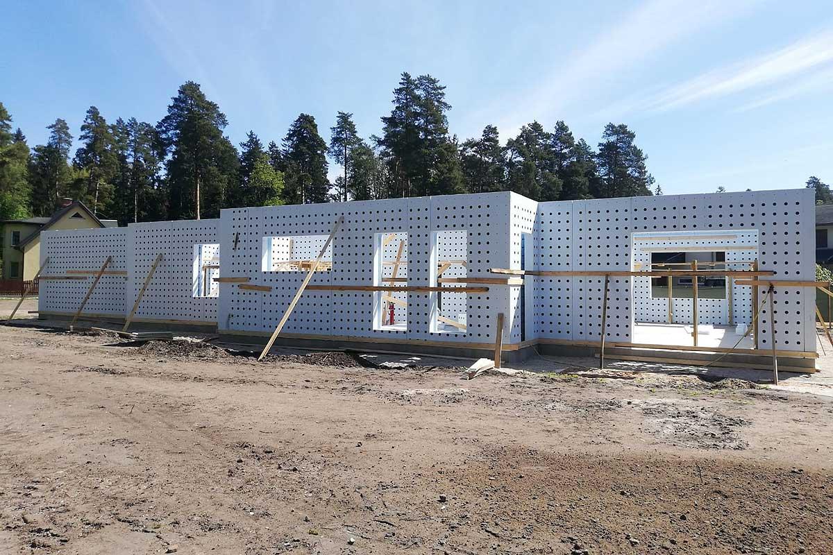 Siltinātie nesošo sienu veidņi ar betona biezumu 120mm